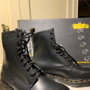 NWOT Doc Martens 8 Eyelet Boots-Size 6-  New!